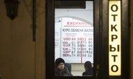 Rubl znovu klesl, Putinův projev nepomohl