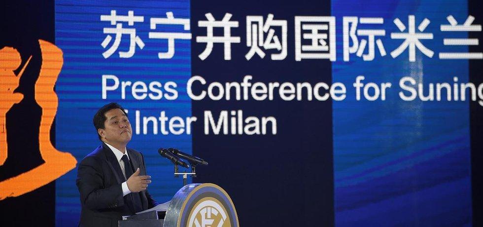 Tisková konference společnosti Suning při příležitosti akvizice Interu Milán
