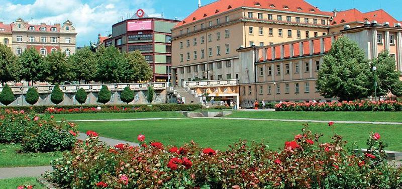 Budova MZ na Palackého náměstí.