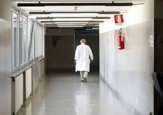 nemocnice, chodba, lékař