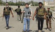 IS přichází o zdroje příjmů, snížil platy bojovníků na polovinu