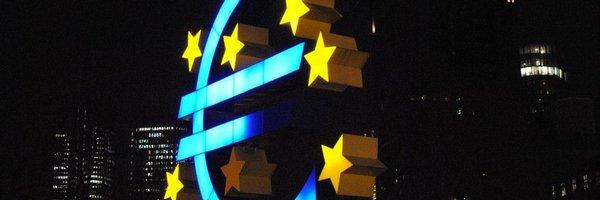 Írán se dál odklání od dolaru, dlužné částky chce inkasovat v eurech