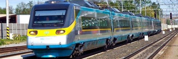 Proč ve vlaku není signál? My nic, házejí po sobě vinu operátoři a dopravci