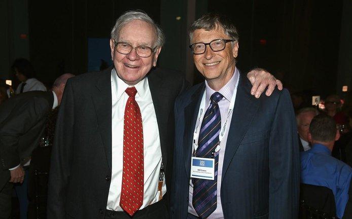 Bill Gates (vpravo) a Warren Buffett