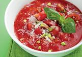 Rychlá rajská polévka s pistáciemi