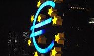 Eurozóna se v dubnu vrátila do deflace, ceny energií dál klesají