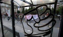Makedonie vyhostila dva Čechy, během demonstrací měli ničit majetek
