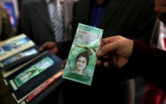 Nová venezuelská pětitisícová bankovka. Vedle nich v zemi nově kolují v hodnotě 500, 1000, 2000, 10 000 a 20 000 bolívarů