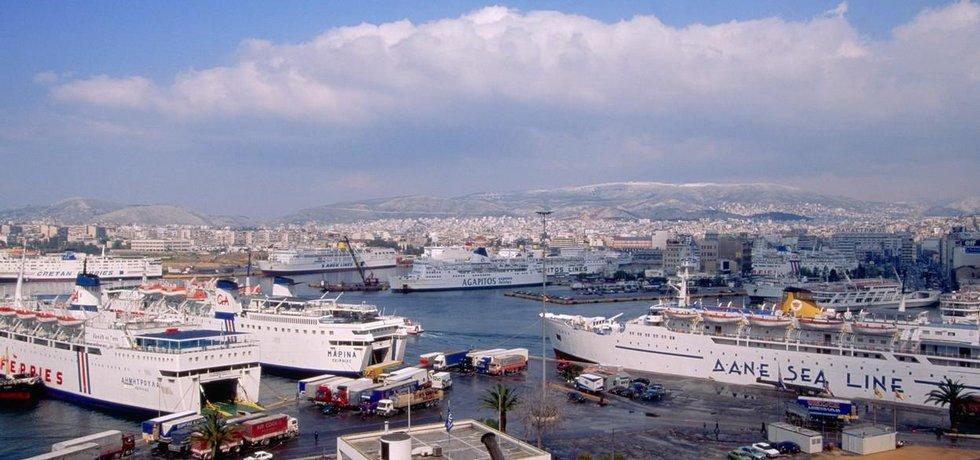Řecký přístav Pireus