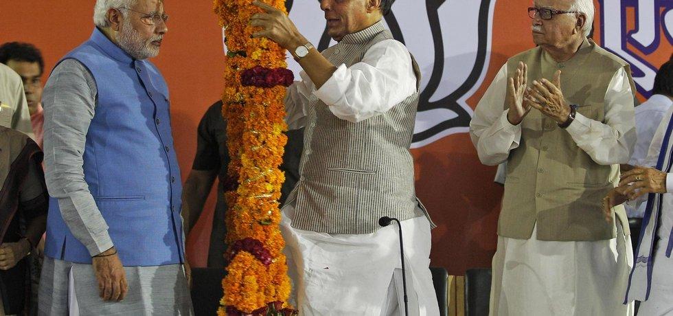 Oslavy indického premiéra Naréndra Módího (vlevo) v Dillí po vítězství ve volbách