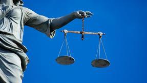 *soud, justice, spravedlnost, zákony