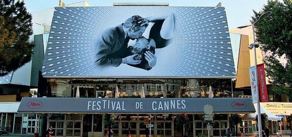 Festivalový paláce v Cannes. Foto  z přechozích ročníků.