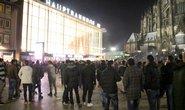 Oslavy konce roku před kolínským nádražím, kde došlo k sexuálním útokům