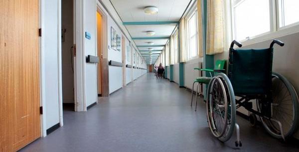 nemocnice, chodba, handicap