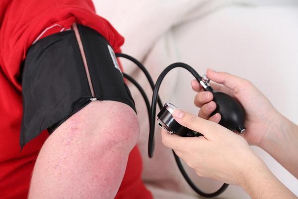 hypertenze, krevní tlak, praktik