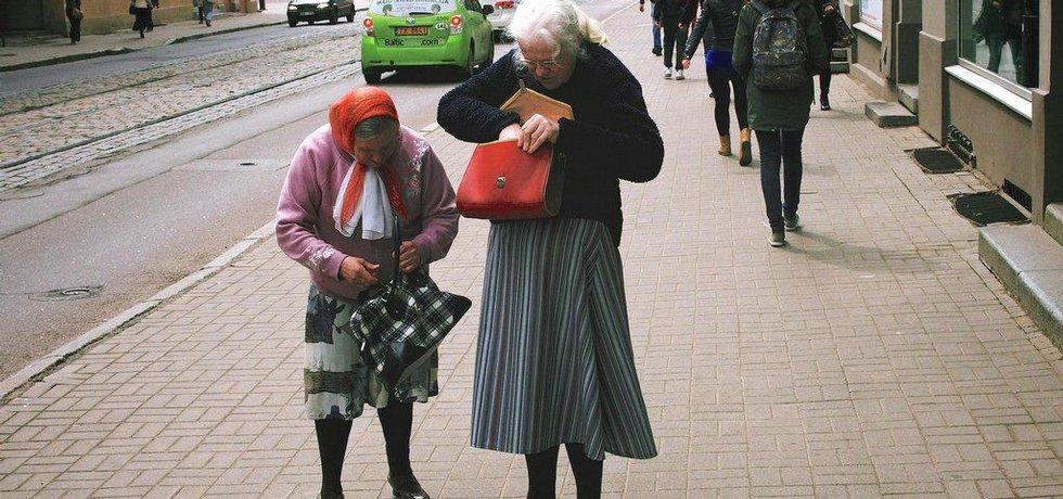 Postarší dámy v Rize