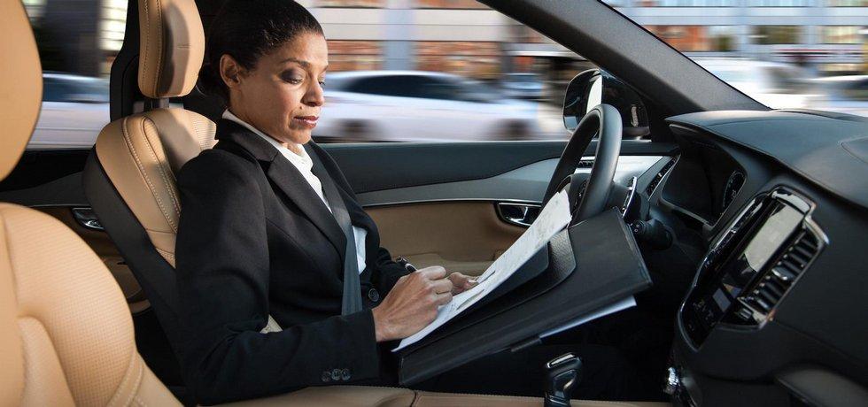 Jízda v autonomním voze dle představ automobilky Volvo