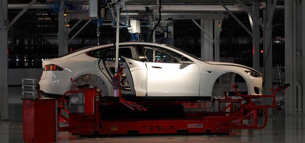 Továrna Tesla Motors v kalifornském Fremontu