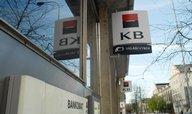 Komerční bance klesl zisk o 16 procent kvůli povinným odvodům do fondů EU