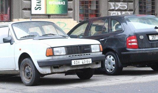 auta, parkoviště