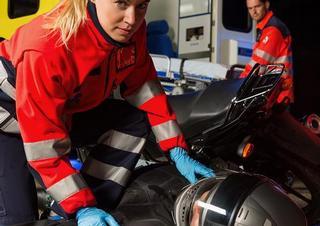 záchranáři, sanitka, nehoda