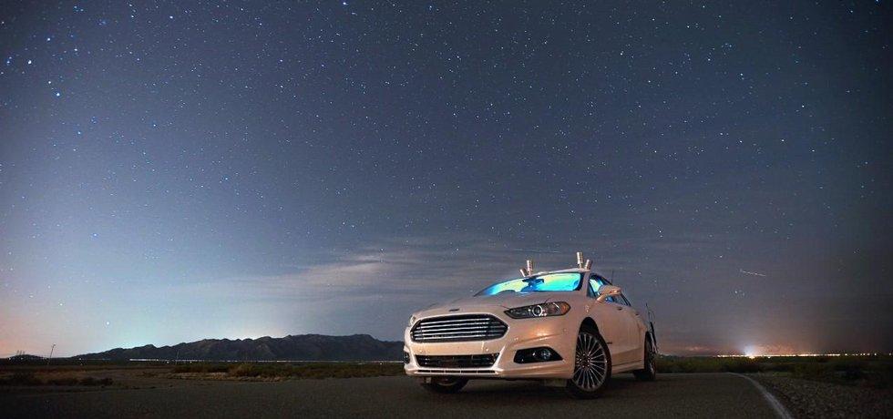 Ford Fusion Hybrid – prototyp autonomního vozu