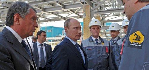 Sankce působí Rusku škody za 40 miliard dolarů, levná ropa ještě větší