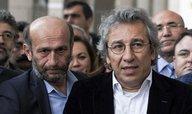 Turečtí novináři mají jít do vězení za článek o dodávkách zbraní