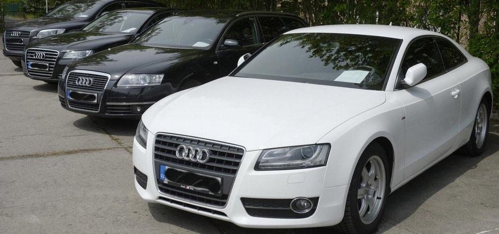 Audi zabavená osobám, které se zabývaly hospodářskou trestnou činností, nabízí vnitro v aukci.
