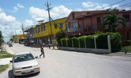 Tajemný Čech zaměstnává úřady v Belize. Nevědí, jak se do země dostal