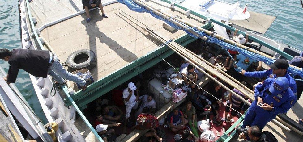 Migranti zadržení při plavbě do Austrálie
