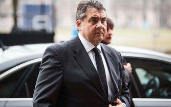 Sigmar Gabriel během státního pohřbu bývalého německého prezidenta Romana Herzoga