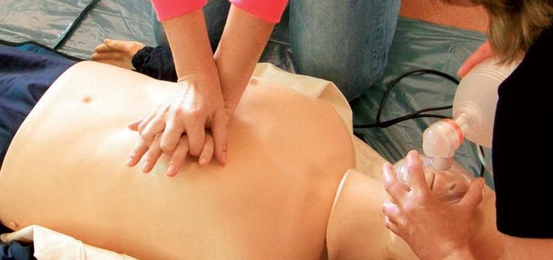Nácvik kardiopulmonální resuscitace.