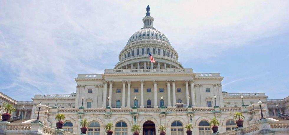 Kapitol, sídlo dolní i horní komory parlamentu Spojených států