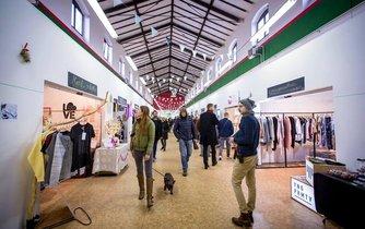 Hala 23, kde se koná Mint Market.