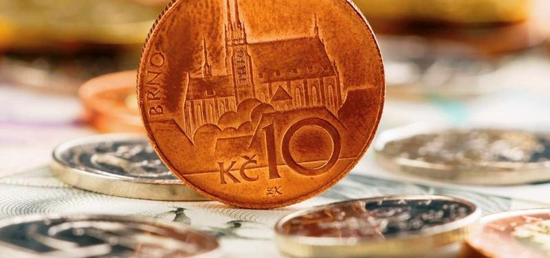 Peníze, poplatky, desetikoruna, regulační poplatek, drobnéShutterstock