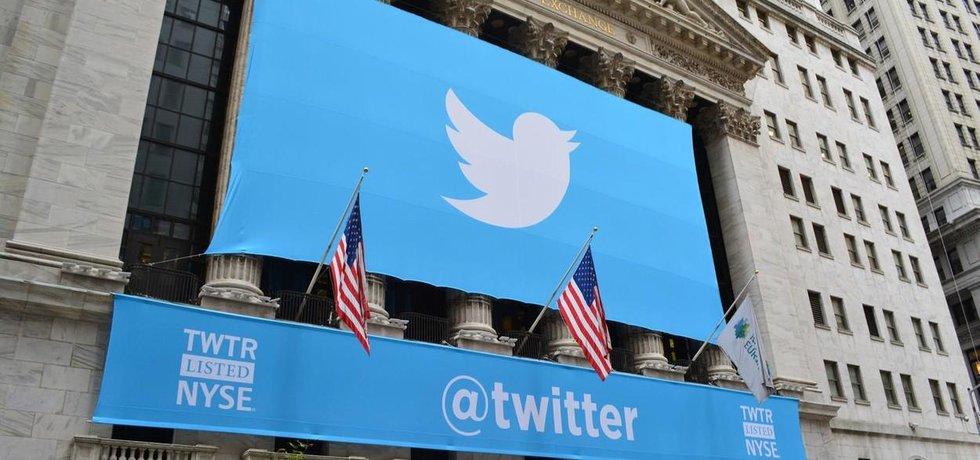 Takhle vstupoval Twitter v listopadu 2013 na burzu. Nyní se schyluje k jeho prodeji.