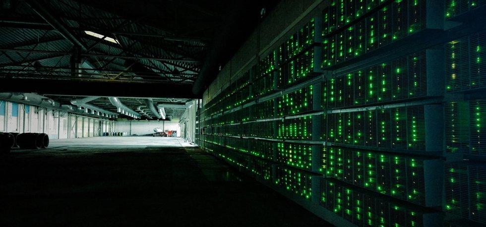 Těžba bitcoinu (Zdroj: Marko Ahtisaari CC BY-SA via Flickr)