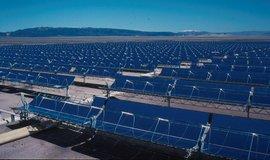 Čína loni vsadila na vítr a sluneční energii, spotřeba uhlí klesla