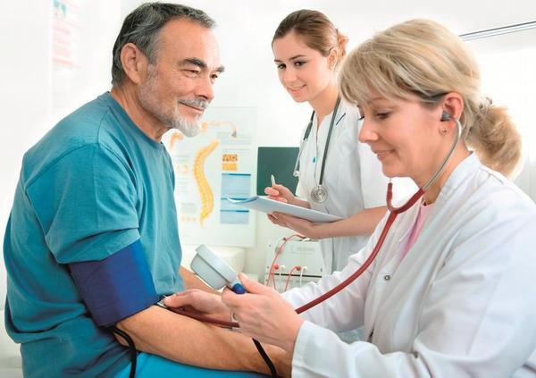 praktický lékař, praktik, tlak, hypertenze