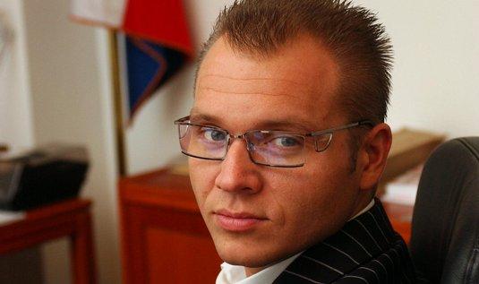 http://zpravy.e15.cz/domaci/politika/rozklad-v-ods-milan-richter-skoncil-jako-starosta-prahy-10-995041