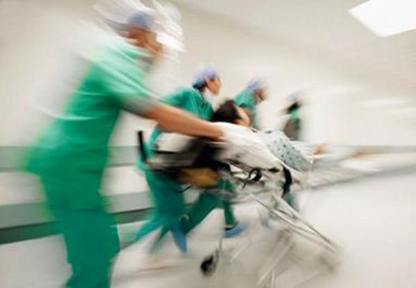 lékaři, chodba, pohotovost, chirurgové