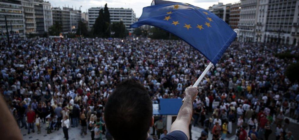 Aténská demonstrace za setrvání v eurozóně