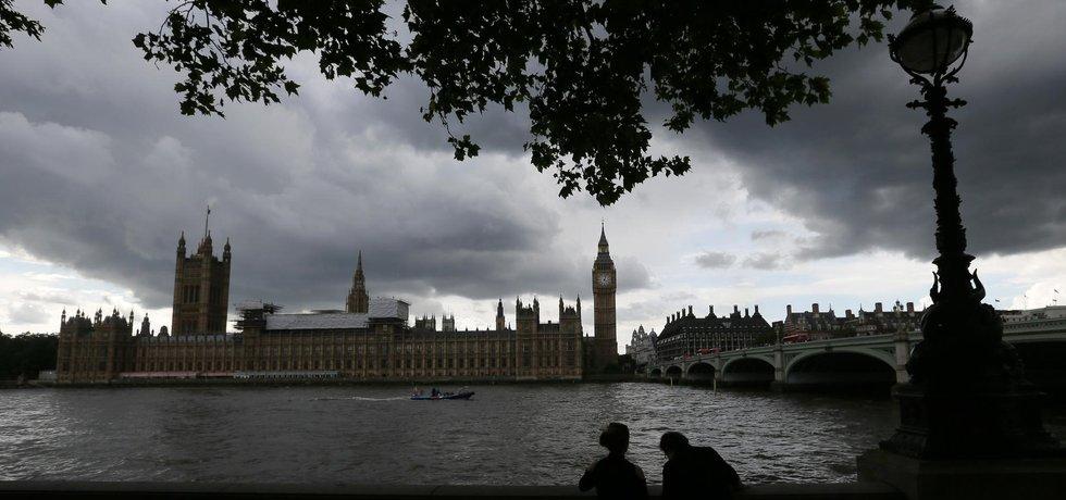 Centrum Londýna před bouřkou