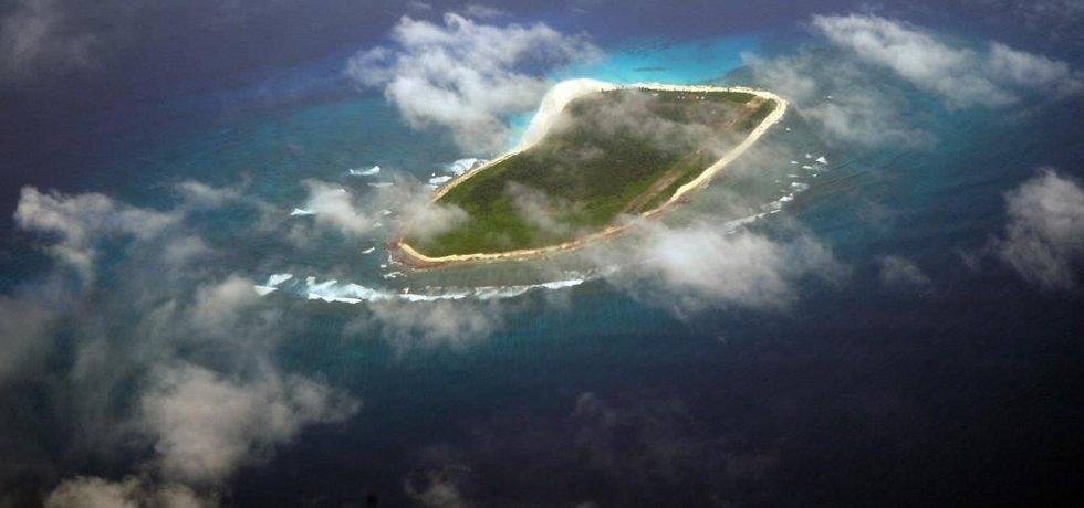Letecký pohled na jeden ze seychelských ostrovů