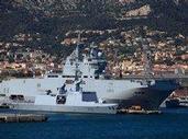 Francie o válečných lodích stále nerozhodla. Rusko se prý spokojí i s kompenzací