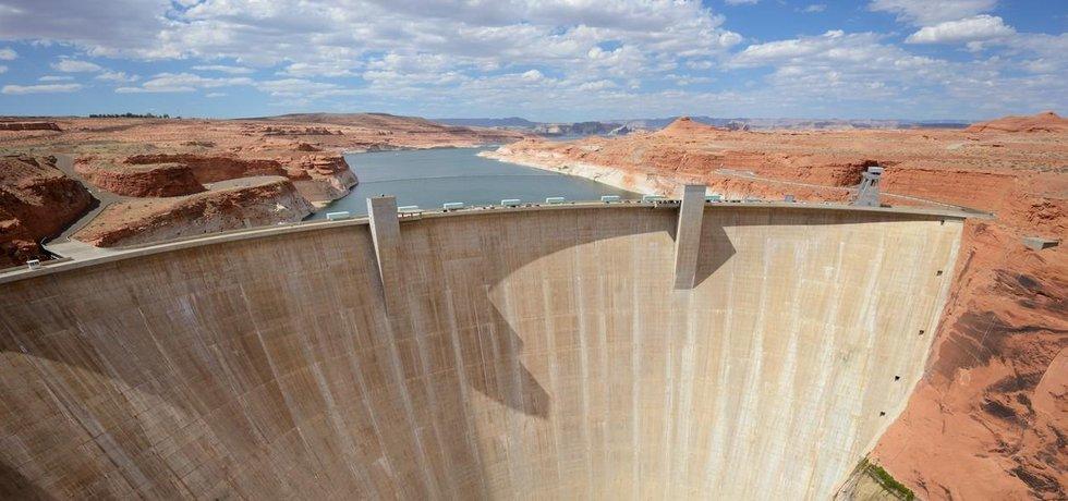 Přehrada Glen Canoyn na řece Colorado v Arizoně