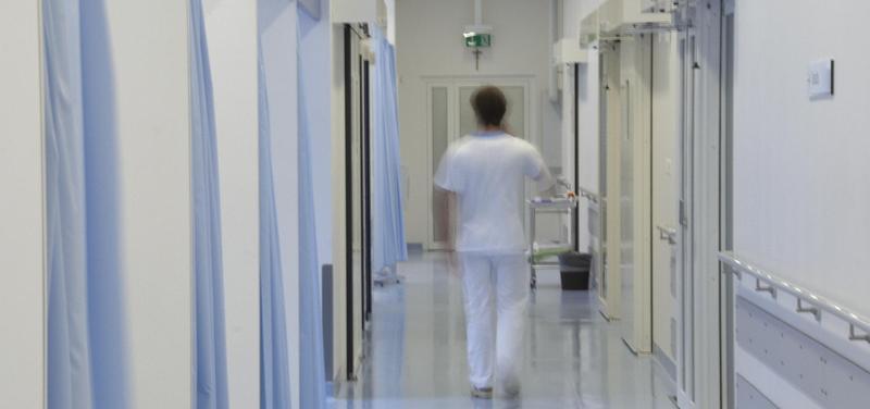 *nemocnice, lékař, chodba