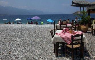 Řecké pobřeží (ilustrační obrázek)