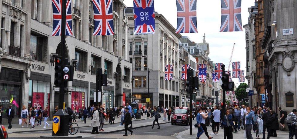 Pohled na ulice britských měst během vrcholící kampaně pro referendum o setrvání či odchodu z Evropské unie (Zdroj: ČTK)